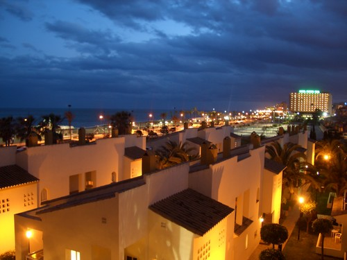 Die Aussicht von unserem Balkon bei Nacht