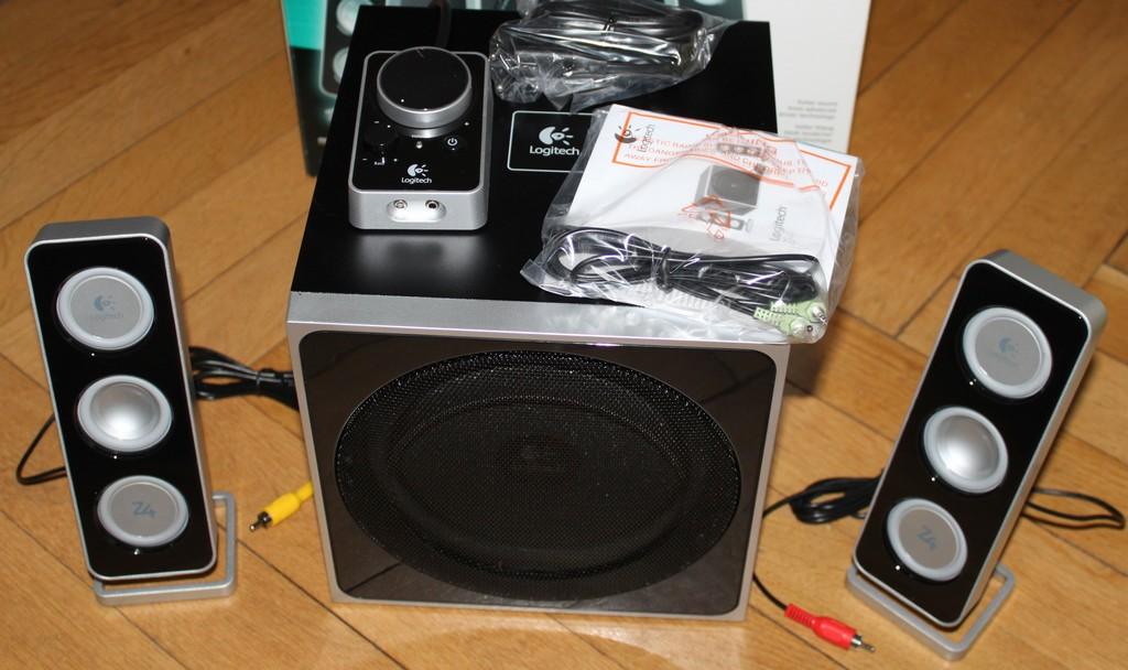 Logitech Z4 2.1 Lautsprecher