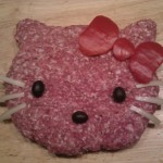 Mett Hello Kitty (aka Hello Metty) & Hello Kitty Blumenstrauß