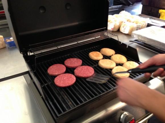 Weber Grill Burger 1