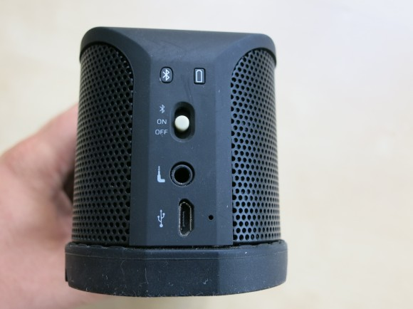 Jabra SOLEMATE Bluetooth Speaker Test-11