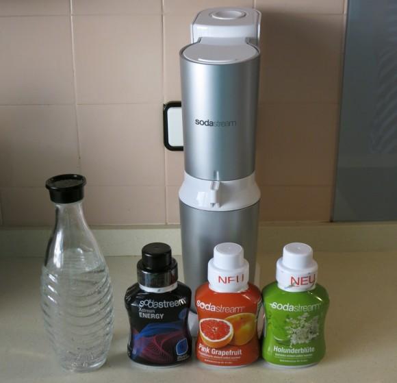 vorstellung verlosung sodastream wassersprudler crystal gilly 39 s playground. Black Bedroom Furniture Sets. Home Design Ideas