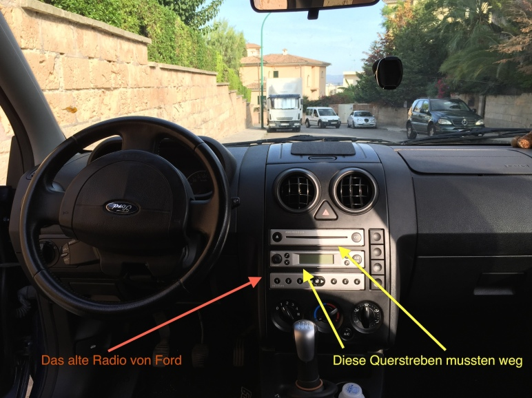 Ford Fusion altes Autoradio