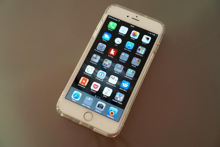 Spigen Case für iPhone 6 Plus - ULTRA HYBRID Crystal Clear 01