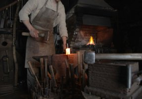 Handerwerkskunst: The Birth Of A Tool – Part I: Axe Making