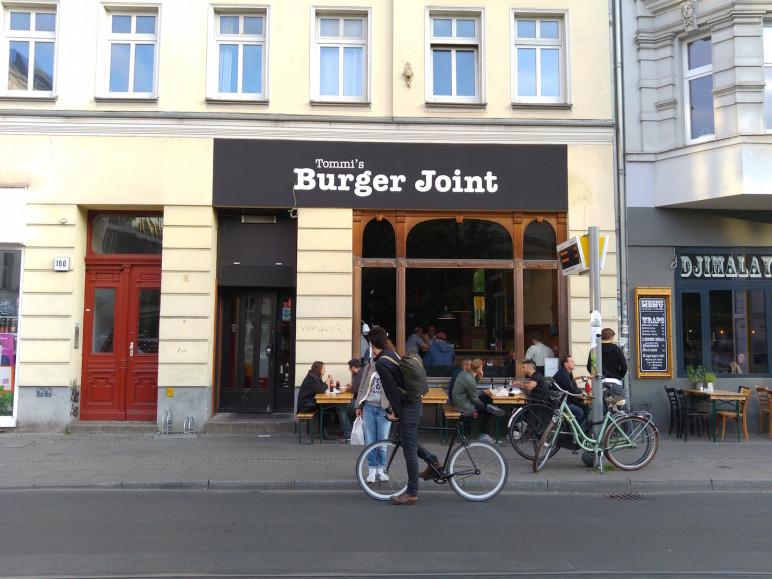 Tommi's Burger Joint von außen