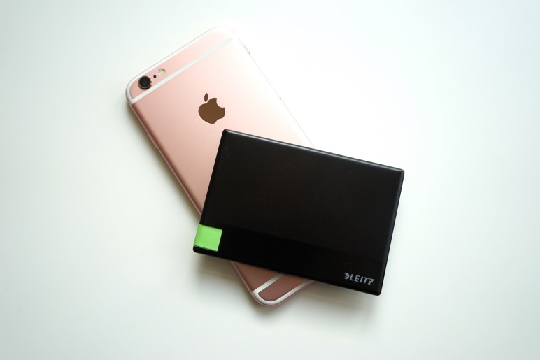 Leitz Complete Powerbank mit iPhone